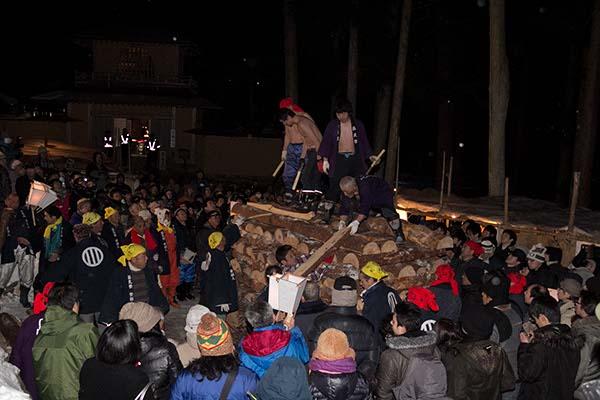 柴燈木登り