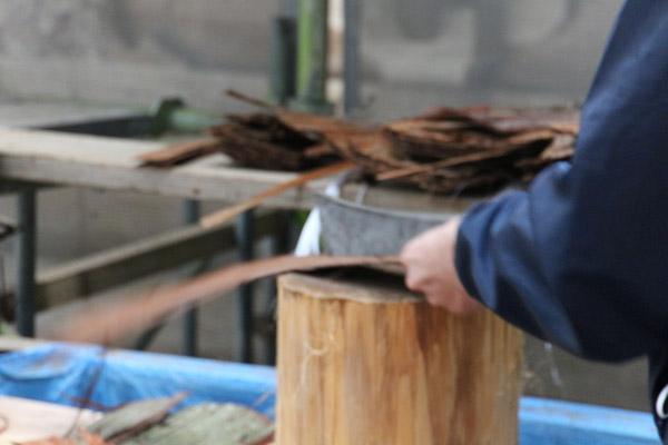 檜皮葺きの説明