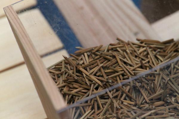 竹釘を使います